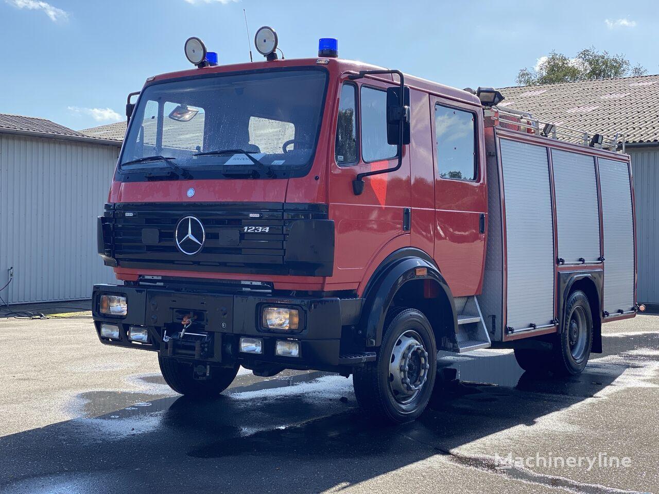 пожарная машина MERCEDES-BENZ 1234 AF 4x4 2.500 L /200L ROSENBAUER