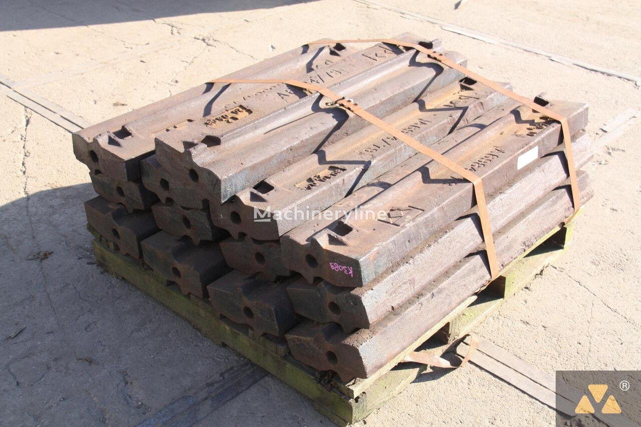 другие рабочие элементы POWERSCREEN Terex Pegson Hammer 428/430 Trakpactor для дробильной установки TEREX Pegson Trakpactor 428/320